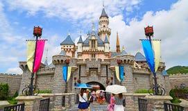Castillo de Cinderella en Disneylandya Hong-Kong imagen de archivo