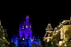Castillo de Disney en la noche Imagen de archivo libre de regalías