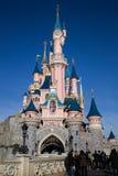 Castillo de Disneylandya París Imagenes de archivo