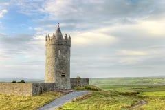 Castillo de Doonagore en Irlanda. Fotografía de archivo libre de regalías