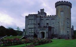 Castillo de Dromoland en co.clare, irelan imágenes de archivo libres de regalías