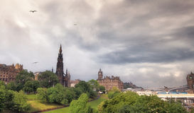 Castillo de Edimburgo después de llover Fotografía de archivo libre de regalías