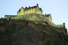 Castillo de Edimburgo, Escocia, en el anochecer Imágenes de archivo libres de regalías