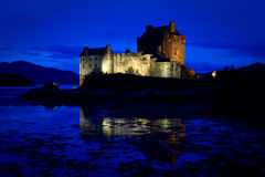 Castillo de Eilean Donan, lago Duich, Escocia Foto de archivo