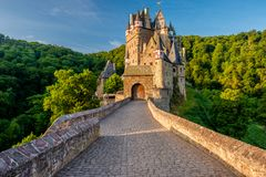 Castillo de Eltz del Burg en Renania-Palatinado, Alemania foto de archivo libre de regalías