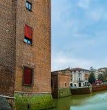 Castillo de Este en el centro de Ferrara, Italia septentrional fotografía de archivo