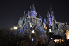 Castillo de Harry Potter en Orlando universal en la noche Fotos de archivo