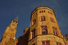 Castillo de Hohenzollern en suabio durante otoño Fotografía de archivo libre de regalías