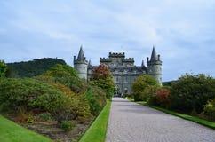 Castillo de Inveraray adyacente al lago Fyne Imagen de archivo