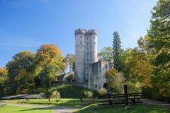 Castillo de Kasselburg en Vulkaneifel, Renania-Palatinado, Alemania Imagen de archivo libre de regalías