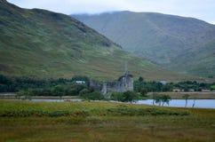 Castillo de Kilchurn en temor del lago fotografía de archivo