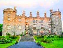 Castillo de Kilkenny en la oscuridad, Co Kilkenny, Irlanda imagen de archivo