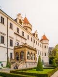 Castillo de Konopiste con Garde hermoso Castillo francés meadieval histórico en Bohemia central, República Checa, Europa Imagenes de archivo