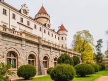 Castillo de Konopiste con Garde hermoso Castillo francés meadieval histórico en Bohemia central, República Checa, Europa Foto de archivo libre de regalías