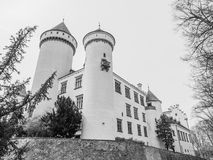Castillo de Konopiste con Garde hermoso Castillo francés meadieval histórico en Bohemia central, República Checa, Europa imagen de archivo
