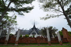Castillo de la edad avanzada en Tailandia Foto de archivo libre de regalías