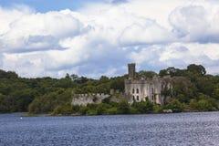 Castillo de la isla del lago lough   Imágenes de archivo libres de regalías