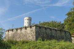 Castillo de Lichtenstein con la pared y la torre Imagen de archivo libre de regalías