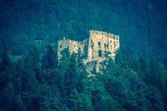 Castillo de Likava, Eslovaquia imagenes de archivo
