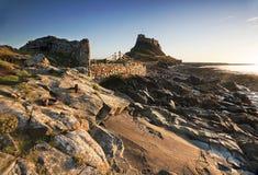 Castillo de Lindisfarne en la isla santa Fotografía de archivo libre de regalías