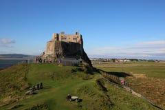 Castillo de Lindisfarne, isla santa, Northumberland Reino Unido imagenes de archivo