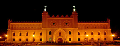 Castillo de Lublin en la noche 2 fotos de archivo