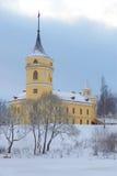 Castillo de Marienthal Bip, día melancólico de diciembre Pavlovsk, Rusia foto de archivo