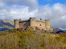 Castillo DE Mombeltran of Kasteel van de Hertogen van Alburquerque Royalty-vrije Stock Fotografie