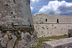 Castillo de Monte Sant'Angelo, Italia del sur Fotos de archivo