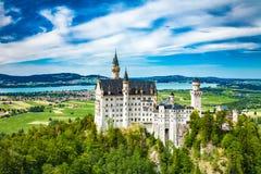 Castillo de Neuschwanstein Uno de la mayoría de los famos y del castillo hermoso en el mundo Imágenes de archivo libres de regalías