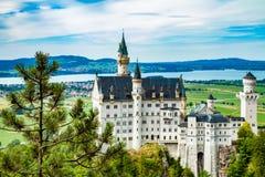 Castillo de Neuschwanstein Uno de la mayoría de los famos y del castillo hermoso en el mundo Fotografía de archivo libre de regalías