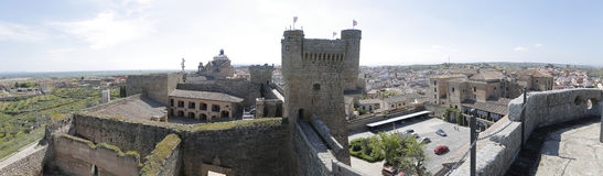 Castillo de Oropesa en Toledo (España) Imagen de archivo