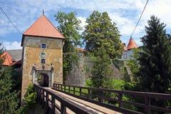 Castillo de Ozalj, Croacia imagen de archivo libre de regalías