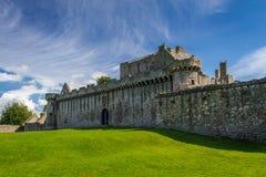 Castillo de piedra medieval en Escocia Foto de archivo