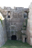 Castillo de piedra medieval viejo del fuerte dentro fotografía de archivo libre de regalías