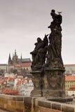Castillo de Praga del puente de Charles Foto de archivo