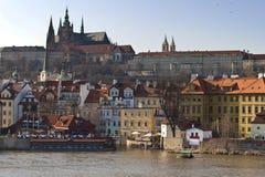 Castillo de Praga. Europa vieja, río Vltava, Fotos de archivo libres de regalías