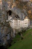 Castillo de Predjama Fotos de archivo