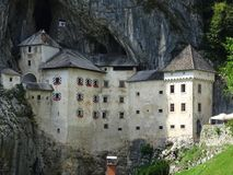 Castillo de Predjama Imagen de archivo