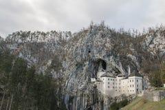 Castillo de Predjama Fotos de archivo libres de regalías