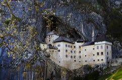 Castillo de Predjama Imágenes de archivo libres de regalías