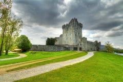 Castillo de Ross cerca de Killarney en Co. Kerry Foto de archivo