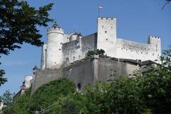 Castillo de Salzburg, Austria en el verano fotos de archivo