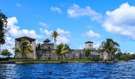 Castillo de San Felipe de Lara, Guatemala Royaltyfri Bild