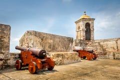 Castillo de San Felipe och kanoner - Cartagena de Indias, Colombia Arkivfoto