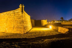 Castillo de San Marcos på natten, i St Augustine, Florida Royaltyfria Bilder