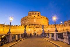 Castillo de Sant Ángel sobre el río de Tíber en Roma, Italia Fotos de archivo