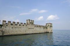 Castillo de Scaligero, Sirmione, Italia foto de archivo