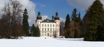 Castillo de Vrchlabi en invierno Foto de archivo libre de regalías