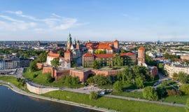 Castillo de Wawel, Kraków, Polonia Panorama aéreo Imágenes de archivo libres de regalías